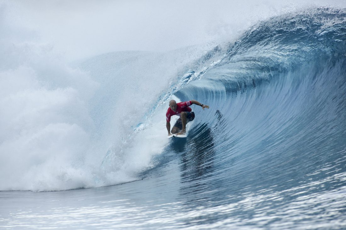 Kelly Slater scores a perfect heat with two ten point rides in Heat 2 of Round Five at the Billabong Pro Tahiti.