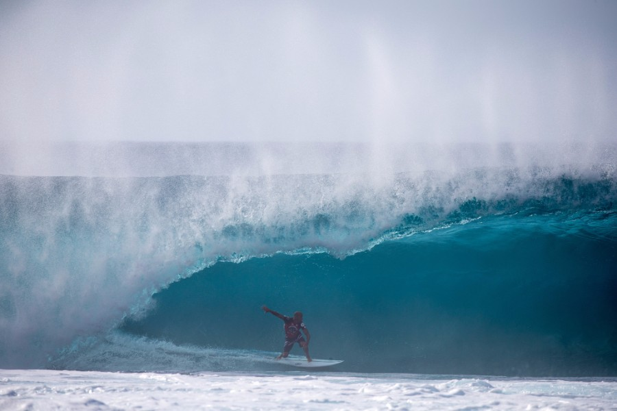 Volcom pipe pro to feature peak winter surf on oahus north shore last years volcom pipe pro winner kelly slater usa enjoyed some of the best waves of the year image wsl freesurf heff malvernweather Image collections